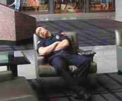 Усталость и сон в правоохране (полицейский-охранник)