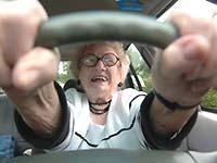 84-летнюю автолюбительницу лишили прав на тысячу лет