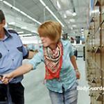 Покупатели в супермаркетах нередко становятся жертвами грубости охранников